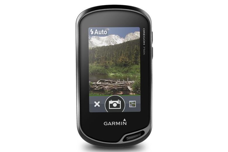 De Garmin Oregon 750t is zo'n top gps en heeft zelfs een camera.