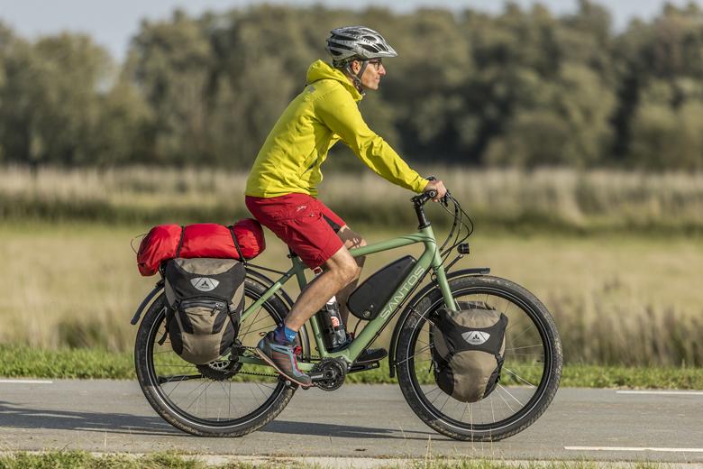 De zitpositie op de Santos Travel Lite+ E-Bike is ontspannen, ietwat rechtop. De voorbouw is verstelbaar waardoor je hem aan je eigen wensen kan aanpassen.