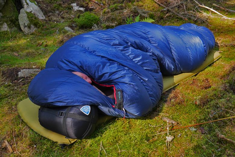 De Carl Denig Nova Zembla 600 is niet gemaakt om buiten te slapen maar het kan wel bij goed weer.
