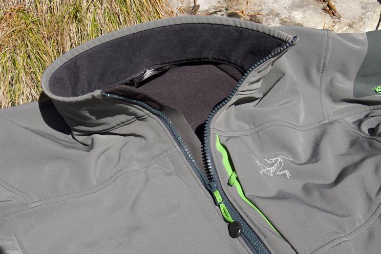 Het Arc'Teryx Gamma MX Jacket heeft een lekker zachte kraag.