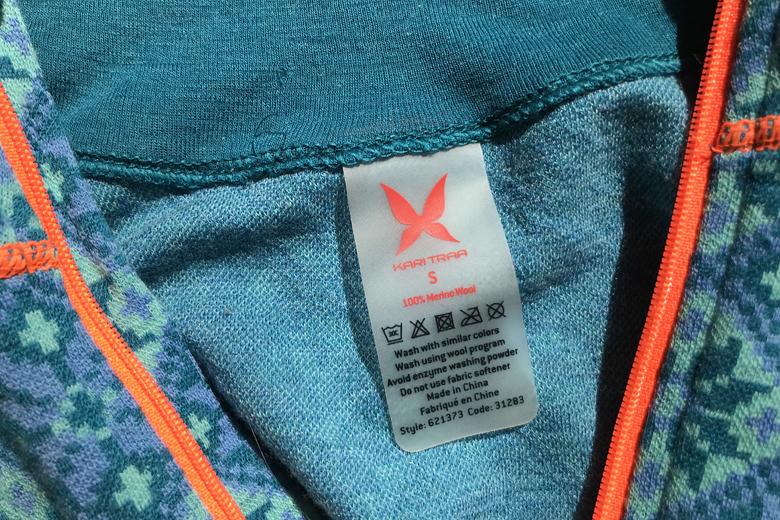 Het Kari Traa Rose Pant en Shirt kunnen op het wolprogramma in de wasmachine, maar niet warmer dan 30 graden en zonder wasverzachter.