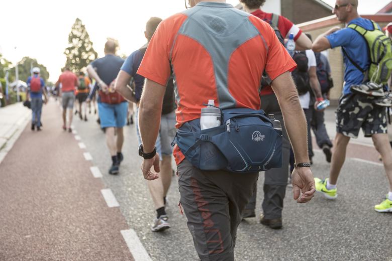 De Lowe Alpine Nijmegen 6 is een beltpack die speciaal is ontwikkeld voor de Vierdaagse van Nijmegen loper.