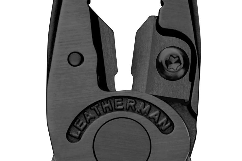 De Leatherman Wave+ met vervangbare draadknipper die met een tor-boutje vast zit.