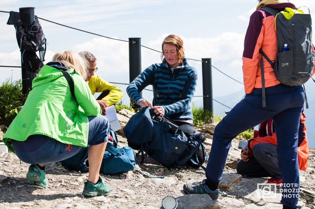 Testen doen we bijvoorkeur buiten en dan weer bijvoorkeur op de top van een berg de boel bespreken.