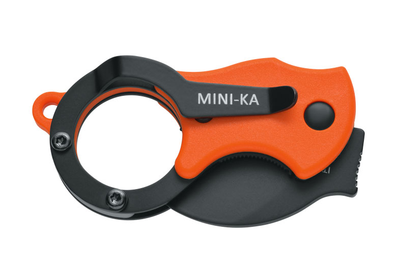 Met een clip kan je de Fox Knives Mini-Ka Folding ook aan een broekzak vast maken.