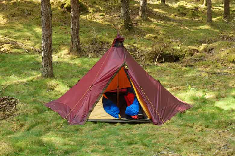 The Tentipi Olivin 2 Combi is a tipi designed for 2 adults and two large backpacks or one or more bike bags.