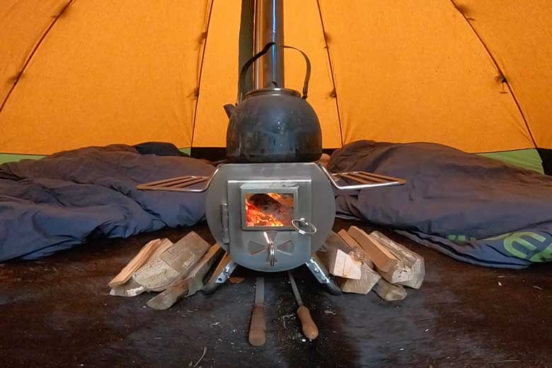 The Gstove is a beautifully thought-out stove. The diamond is good for the conviviality of the flames.