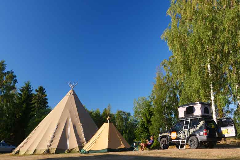 The Tentipi Safir 7 CP in company of his whole big brother.
