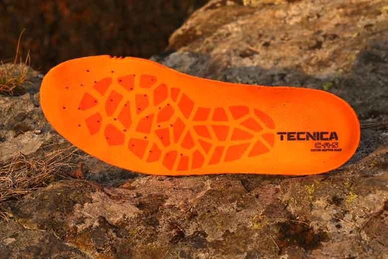 Ook de inlegzool wordt met warmte gevormd naar je voet. Hij is uitneembaar, handig voor het ventileren.