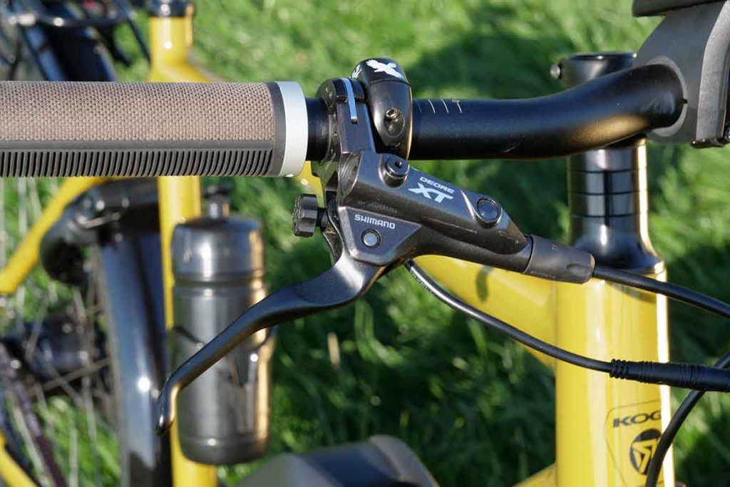 The brake levers als adjustable.