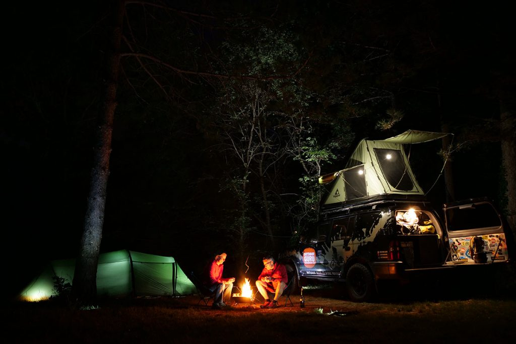 As a firepit it is the heart of the camp and up to 6 people can sit around it.