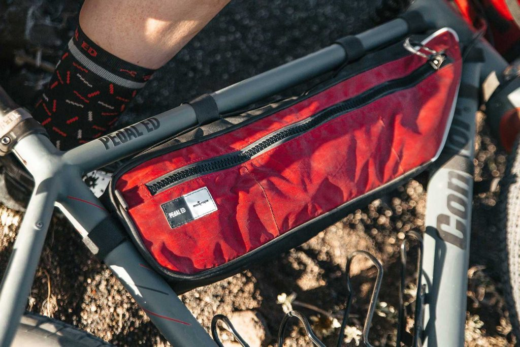 The Internode is the half frame bag of PEdAL ED that you mount under the top tube.