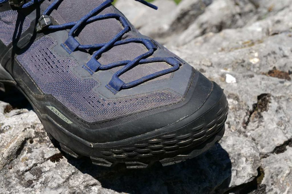 The nose and heel on the Mammut Ducan High GTX are well protected.