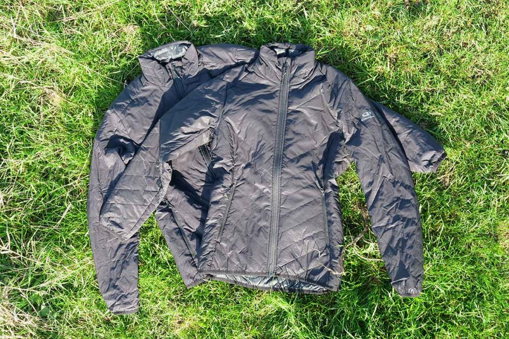The icebreaker Hyperia Lite Hybrid Jacket is available for man and woman.