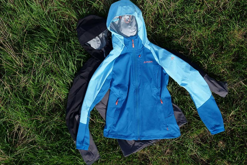 The Vaude Me Skarvan S Jacket for woman (top) and gents (bottom).