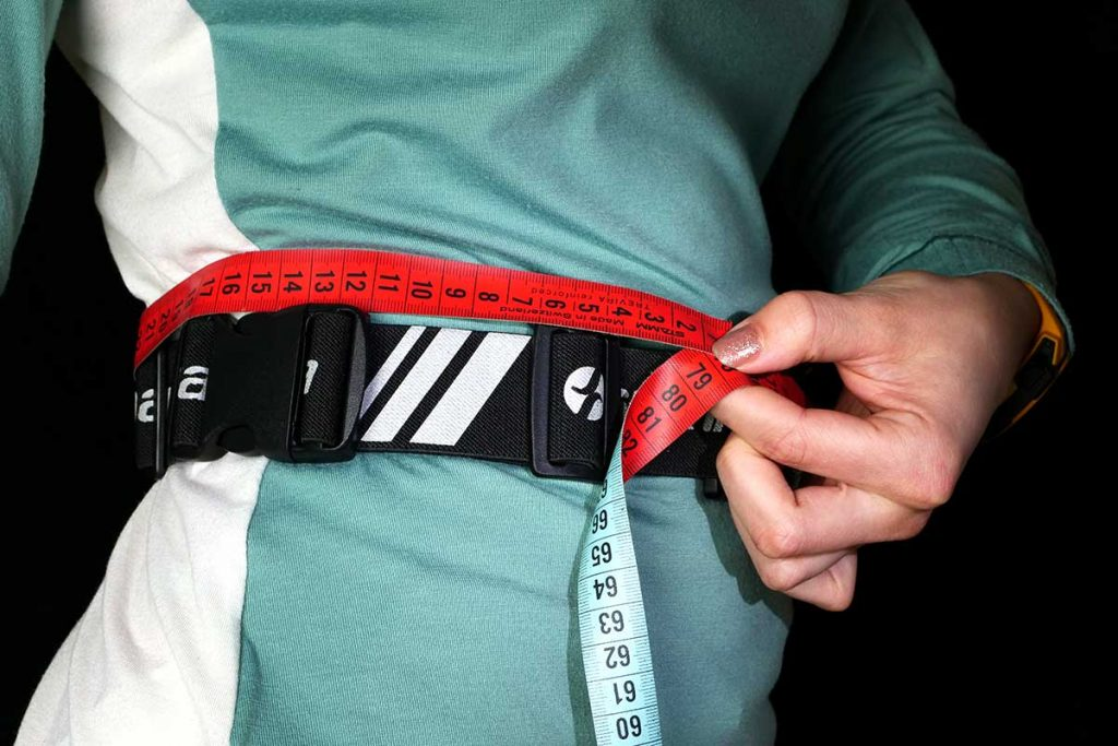 The belt is adjustable from 67 – 135 cm.