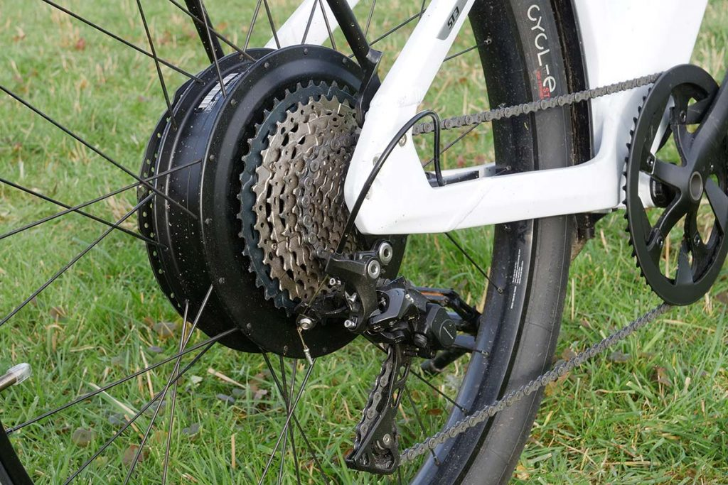 The drivetrain: 11-42T cassette in the rear and a 52T crank in the front.