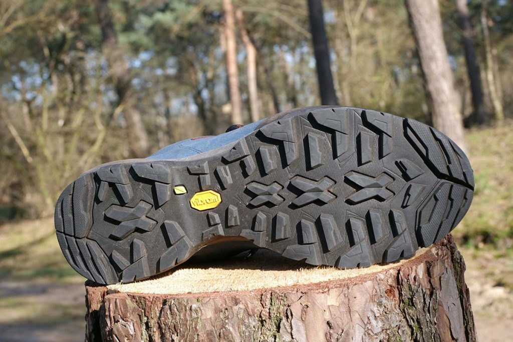 The Vibram Salix outsole offers a lot of grip on loose surfaces.