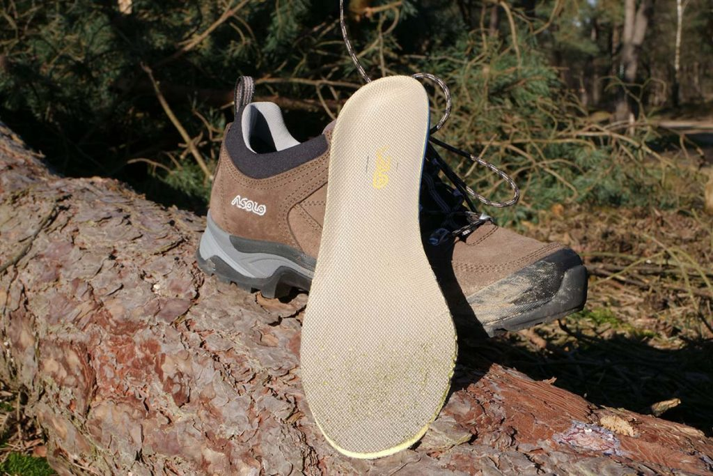 The insole has extra built-in cushioning at the heel.
