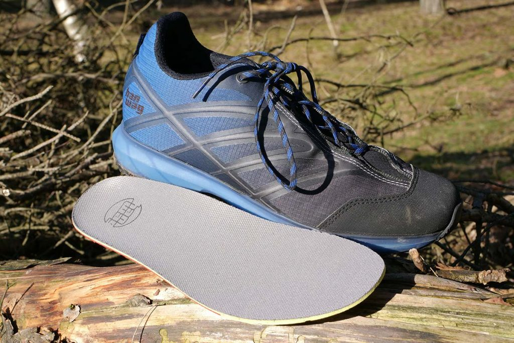 The cushioning of the shoe is good, which is also due to the removable insole.
