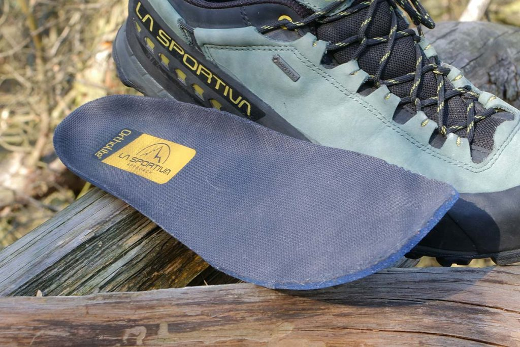 The insole is made of a nice soft foam.