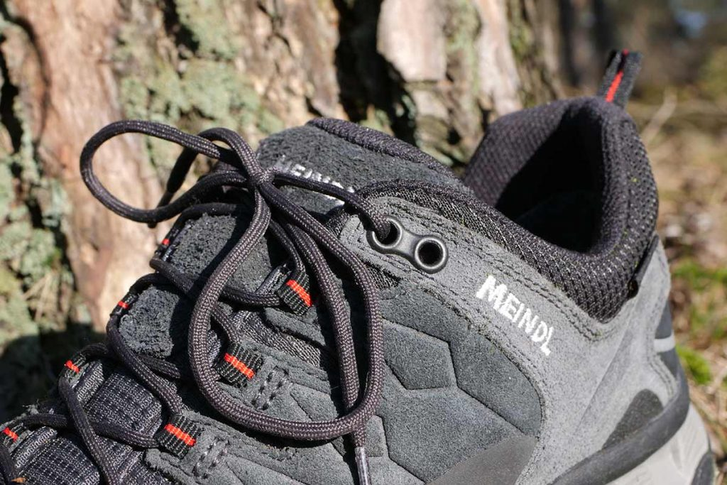The top eyelets on the Meindl Lite Trail GTX are double so you can play with the lacing.