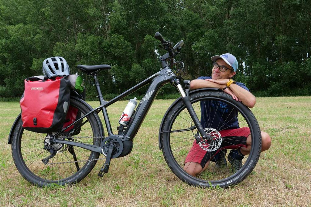 The Cannondale Tesoro Neo X2 is an e-bike with a decent rear carrier and therefor it can be used as an e-trekkingbike.