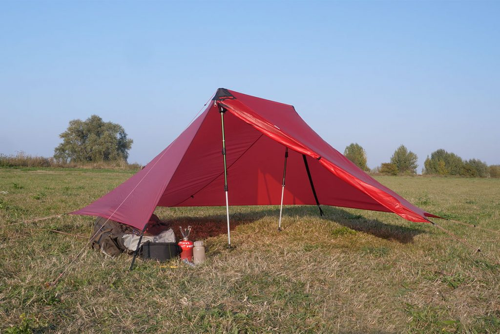 Without the innertent there is room for more than 2 persons.