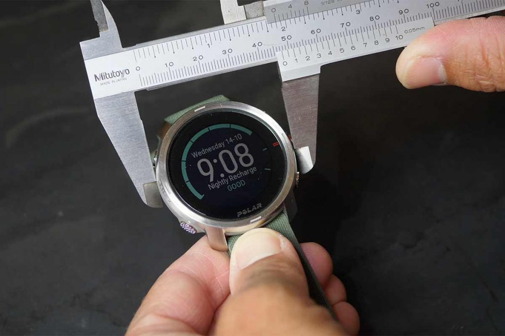 The Polar Grit X has a diameter of 47,5 mm and is 13 mm thick.