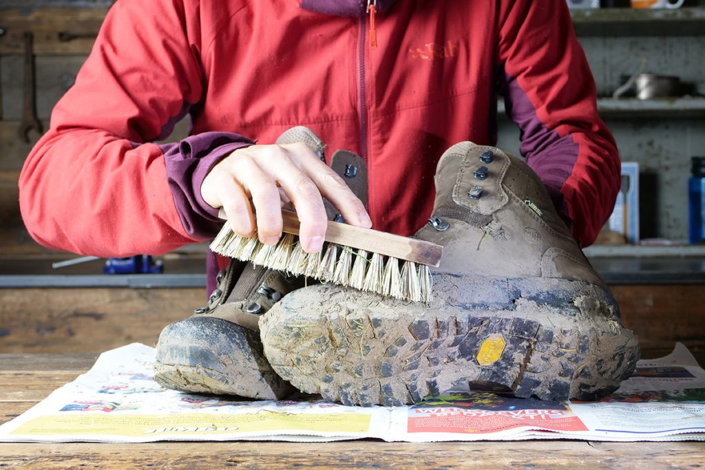 A brush - hard or soft - super for removing mud from the upper.