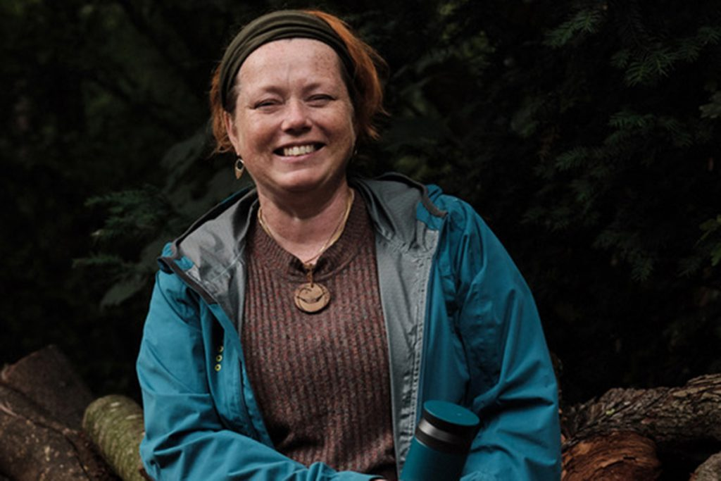 Cath Prisk lives in the United Kingdom and is the only first timer on this jury.