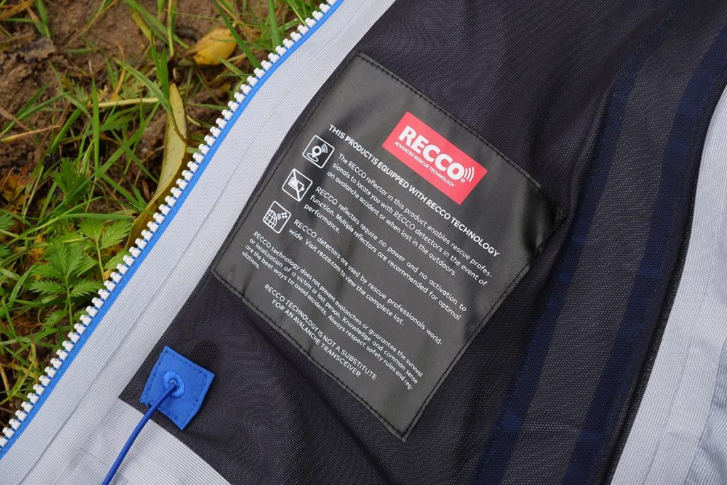The Bergans Slingsby 3L Jacket is equipped with Recco technology increasing the chance that you will be found in case of an avalanche accident.